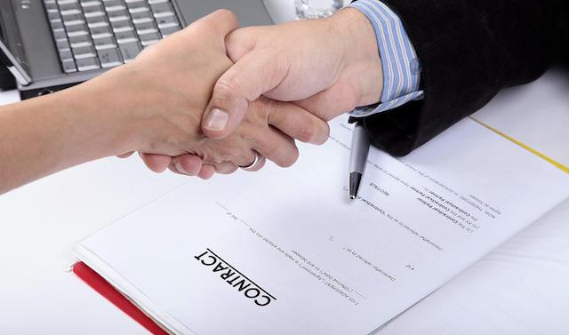 Hợp đồng Thuê xe tháng cần thể hiện đầy đủ thông tin về xe cần thuê