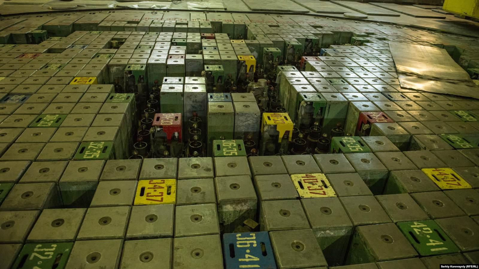 Крышки управляющих стержней реактора первого энергоблока Чернобыльской АЭС