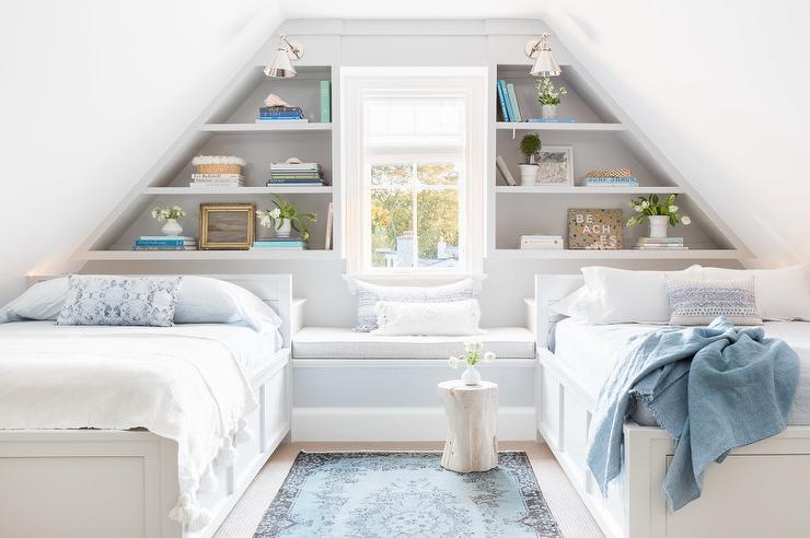 Window Seat Between Bed