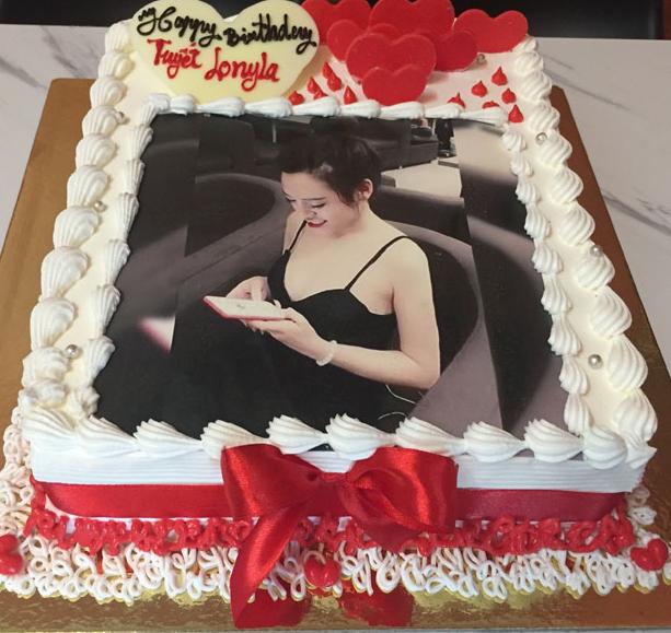 Ăn bánh sinh nhật giúp mọi người cảm thấy thoải mái và yêu đời hơn
