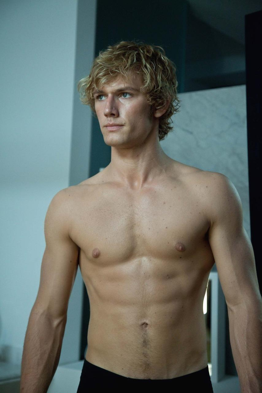 Macintosh HD:Users:nataliewright:Downloads:Alex-Pettyfer-alex-pettyfer-9509844-854-1280.jpg