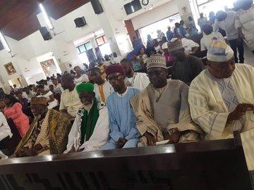 Trưởng Imam 100 tuổi của Ghana tham dự Lễ Phục sinh Công giáo