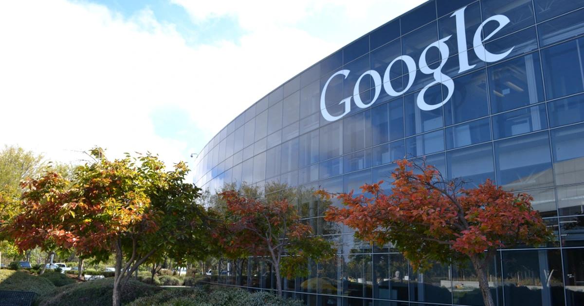 Ví dụ: Địa chỉ của trụ sở Google tại Mỹ là: Googleplex, 1600 Amphitheatre Pkwy, Mountain View, CA 94043 (tức California, America)