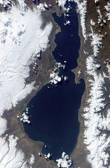 http://upload.wikimedia.org/wikipedia/commons/thumb/8/8e/Sevan_aerial.jpg/220px-Sevan_aerial.jpg