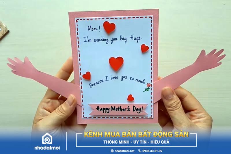 Thiệp vòng tay yêu thương chúc mừng ngày của Mẹ