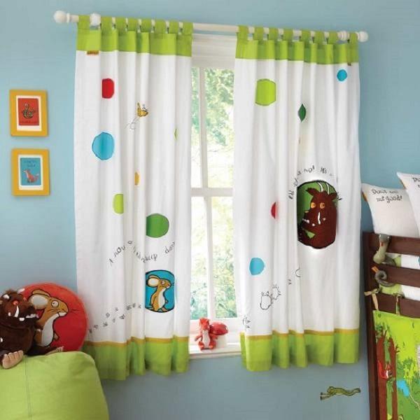 تزیین پنجره اتاق کودک