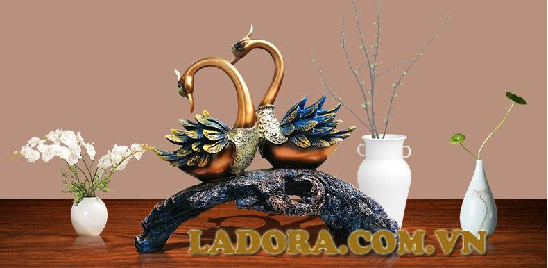 Đồ Trang trí kệ Tivi phòng khách đẹp và độc đáo tại LaDora.com.vn