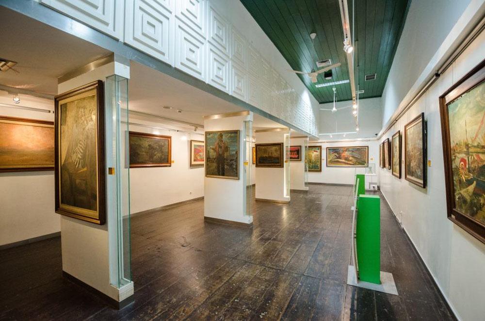 musum seni rupa ceramicmuseum jakarta art painting collection