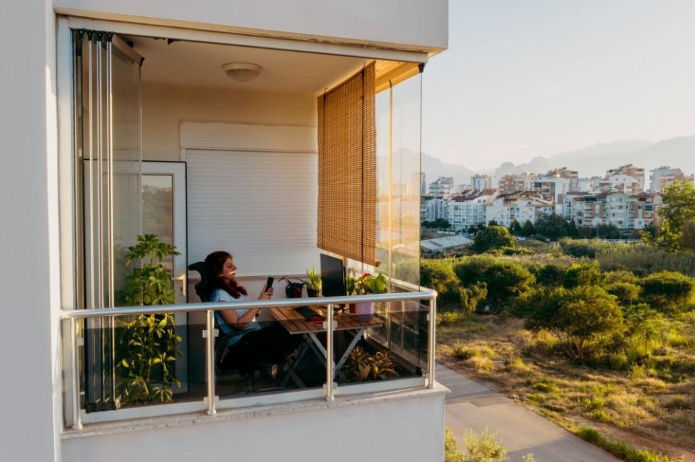 balkon rumah lantai 2