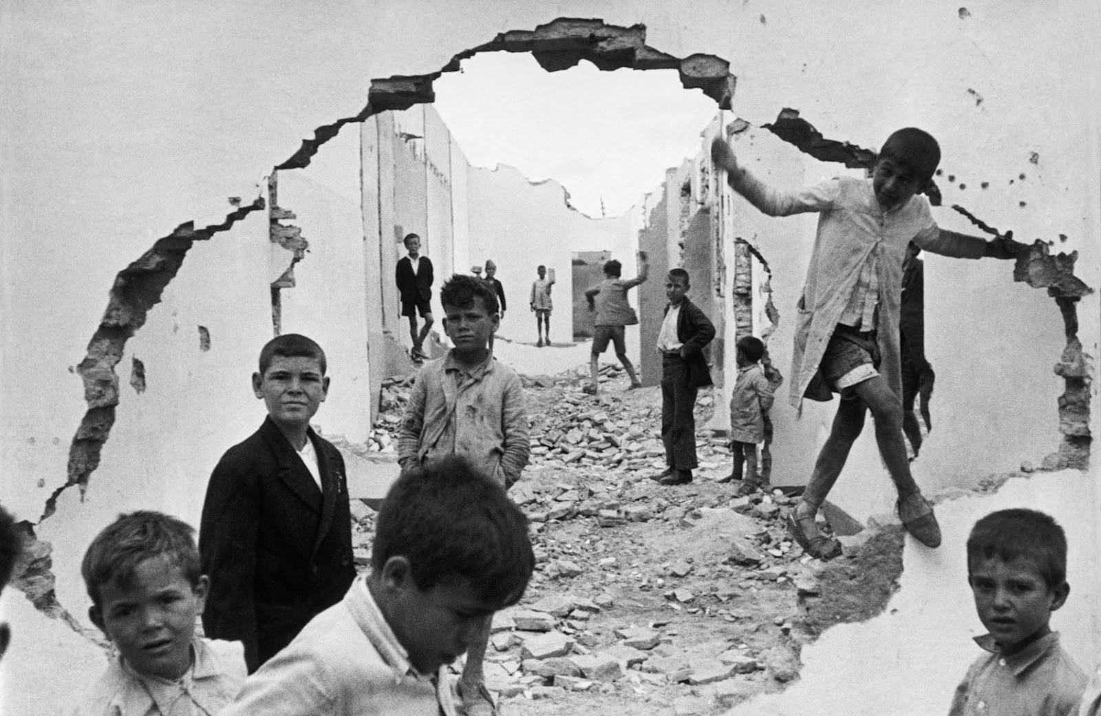 Henri-Cartier-Bresson-2.jpg