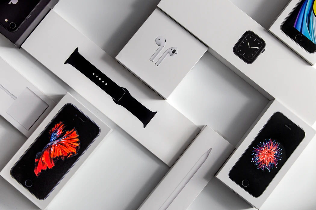 why do people love Apple?
