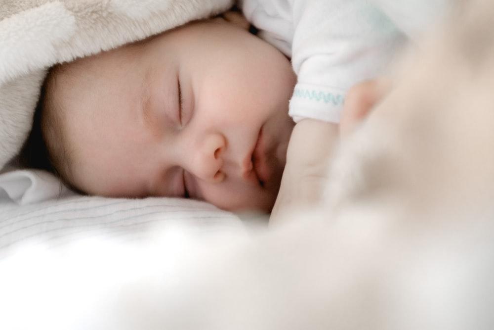 sleeping baby  sleep training during coronavirus