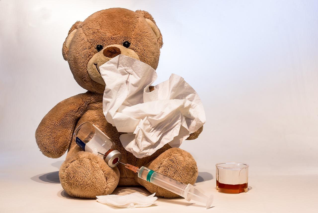 Осложнения простуд у школьников: гипертрофия аденоидов, гайморит, заложенность уха и отит