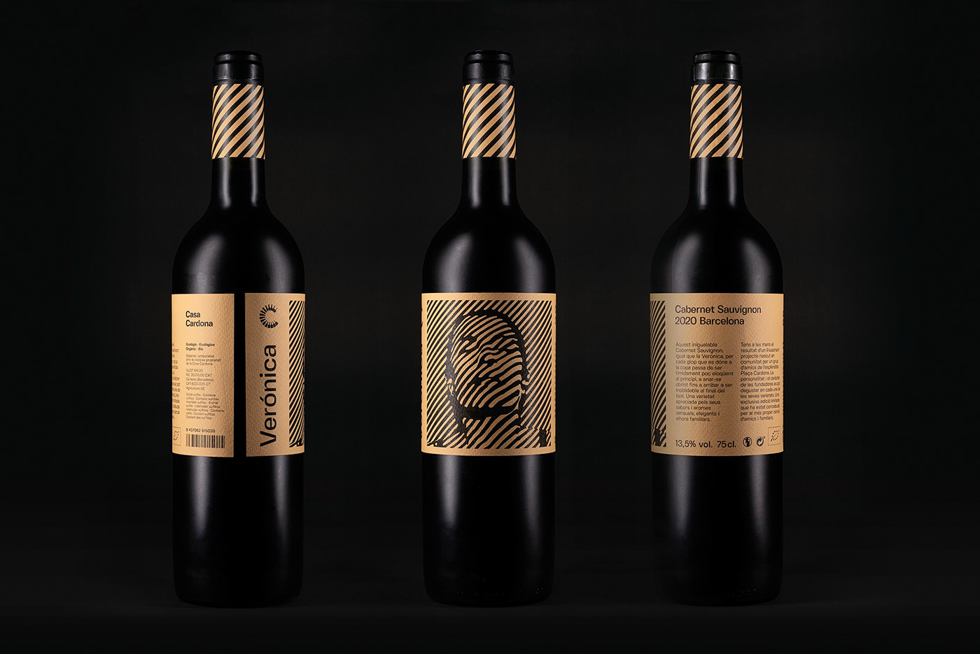 "Packshot of ""Verónica"" Cabernet Sauvignon wine bottle"