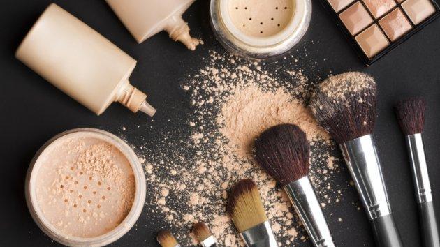 Výsledok vyhľadávania obrázkov pre dopyt types of foundation makeup