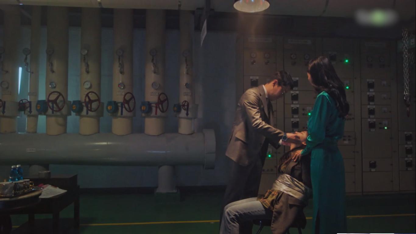 4 kiểu phụ huynh tánh kỳ ở Penthouse: Trừ bà cả Lee Ji Ah, ai cũng đổ đốn bảo sao con không hư sớm - Ảnh 15.