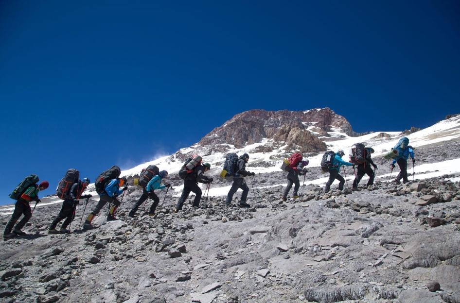 https://www.alpineascents.com/wp-content/uploads/2017/02/benjones7687.jpg