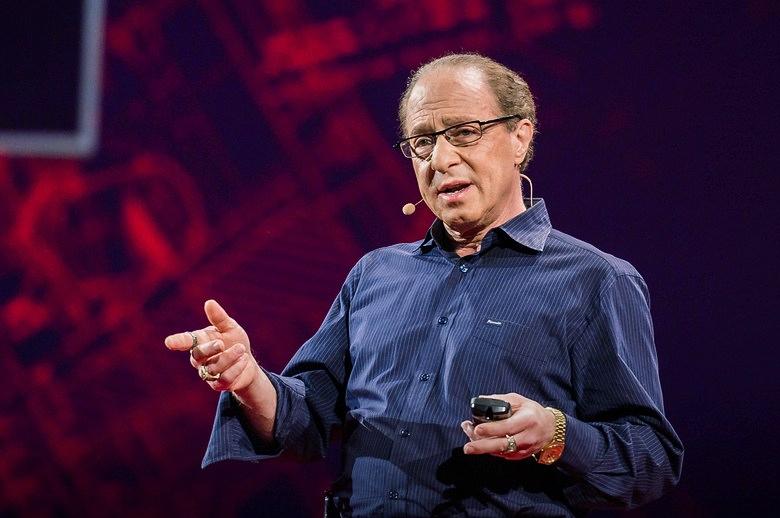 Рэй Курцвейл на конференции TED (фото: blog.ted.com).