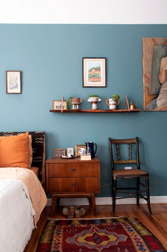 Create A Vintage Look for Your Bedroom Seating