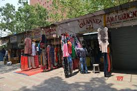 New Delhi: Shops at Janpath market open during lockdown - 4 #Gallery - Social News XYZ