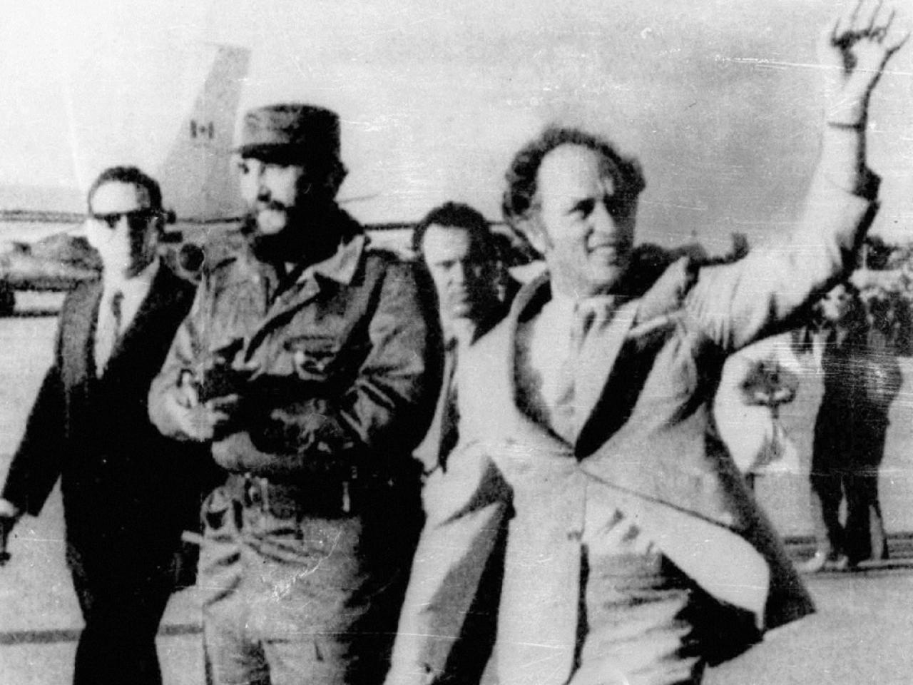 老杜魯多1976年曾訪問古巴,與卡斯特羅會晤。(美聯社資料圖片)