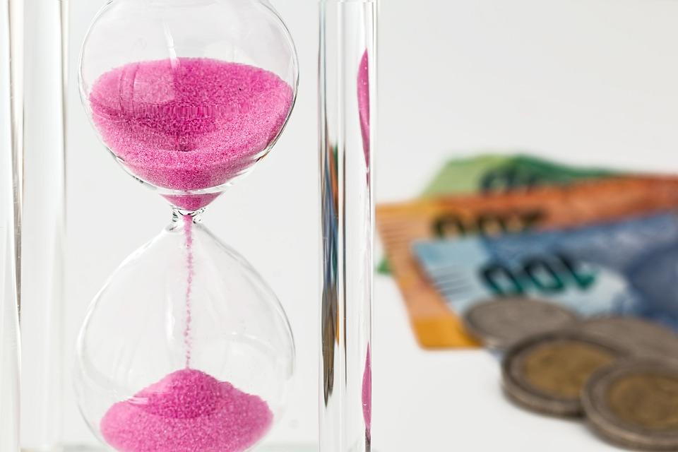Куда инвестировать во время кризиса: самые надежные варианты