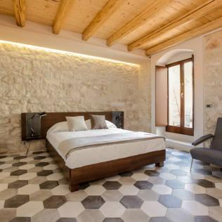 Country style bedroom by Viviana Pitrolo architetto