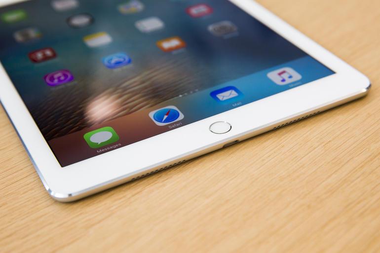 ipad-pro-9-7-7459.jpg, spesifikasi danharga, iPad Pro vs iPad Air 2, Spesifikasi Manakah yang Tangguh