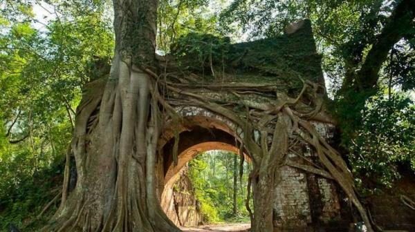 Cổng làng cổ Phong Nam- phượt Đà Nẵng
