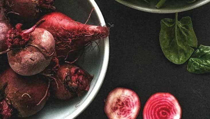 1. การทานอาหารที่มีสีแดง