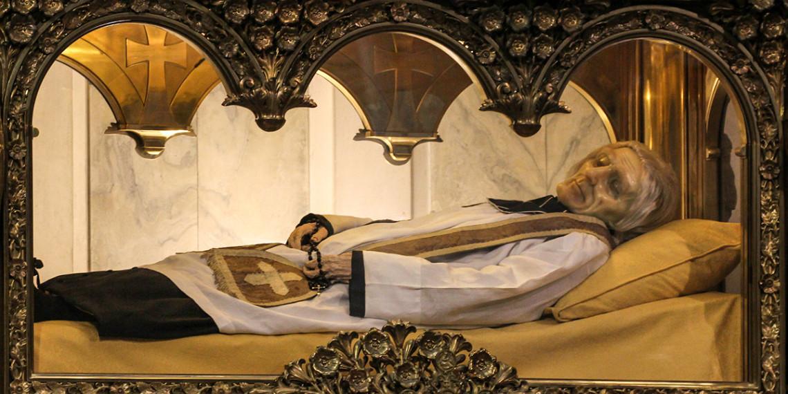 Xác 7 thánh nhân không bị hư nát một cách lạ thường