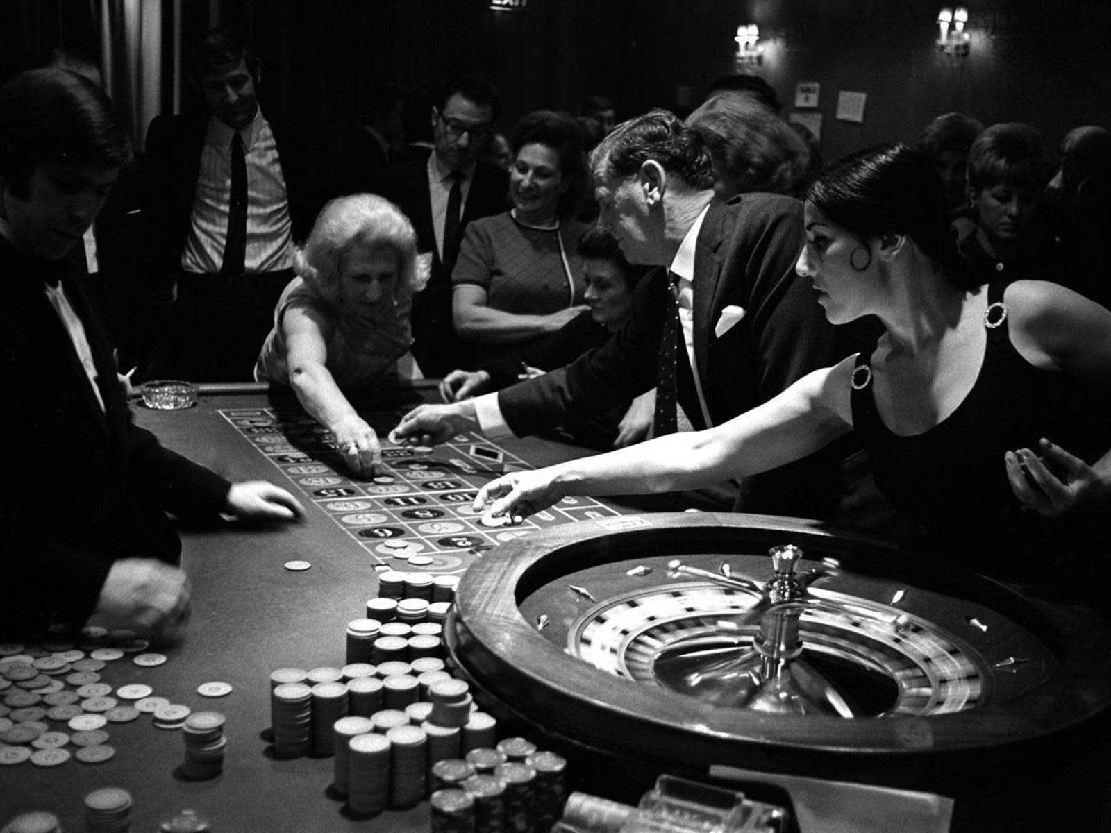 Image result for bhow fast is gambling growing