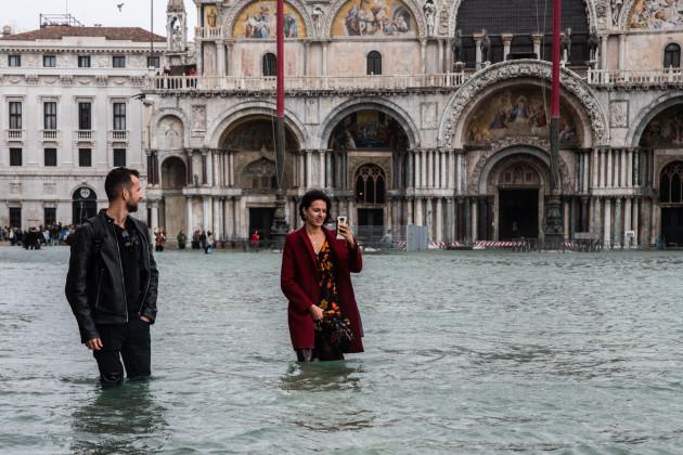 Venecia-sucumbe-ante-marea-mar-agua-inundación-basílica-