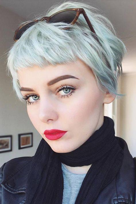Tóc xanh ngắn đối xứng