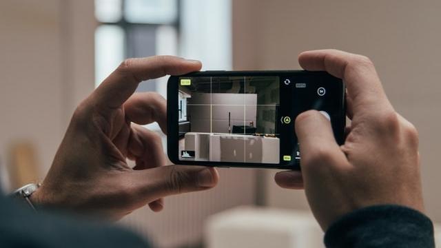 capturing product photo via phone camera