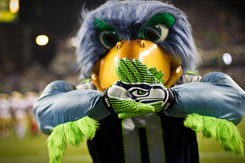 800px-Blitz_Seattle_Seahawks_Mascot.jpg