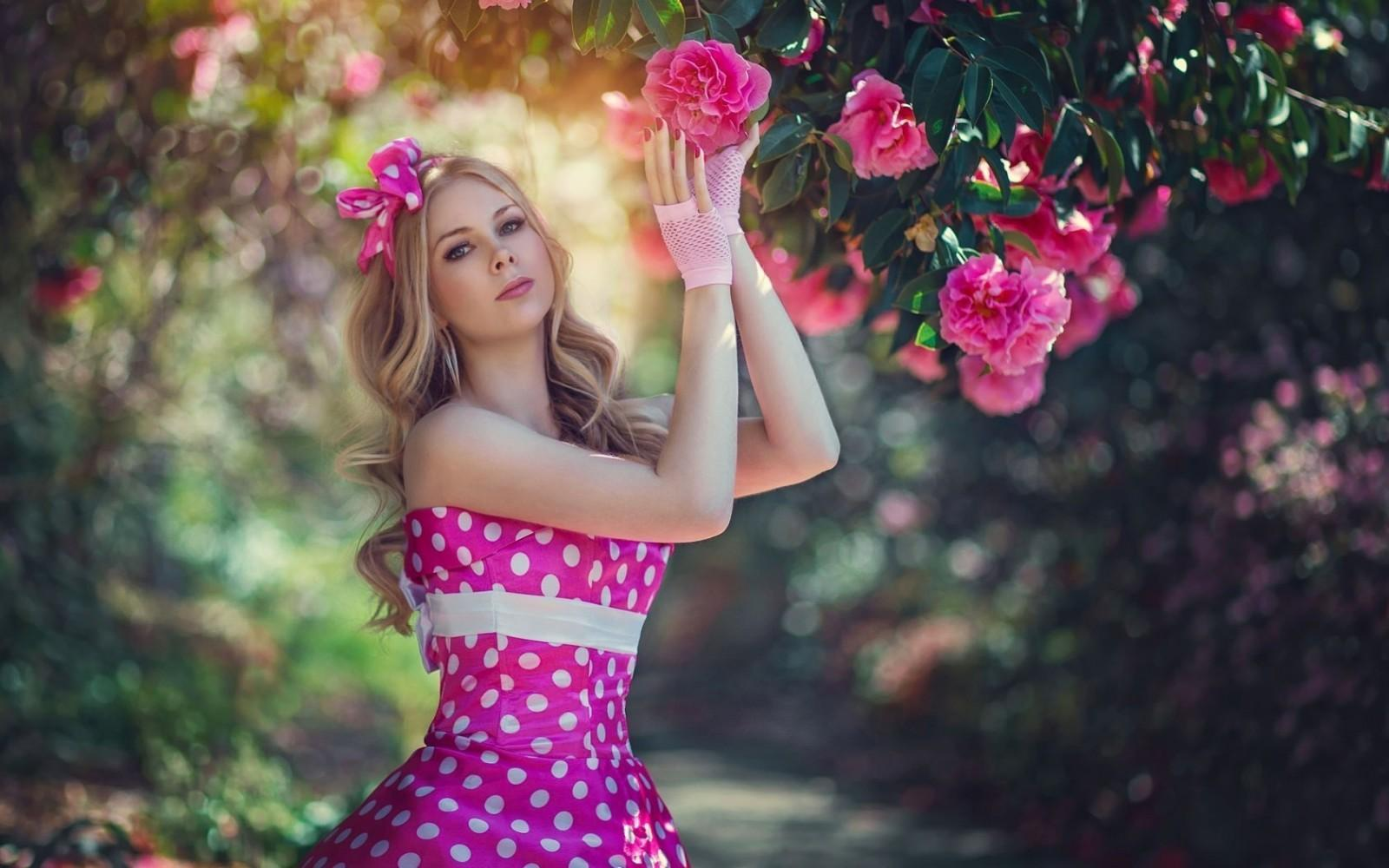 женщины, модель, блондинка, цветы, Фотография, платье, Розовый, весна, цветок, Красоту, фотография, 1680x1050 px, фотосессия, Эра айвин