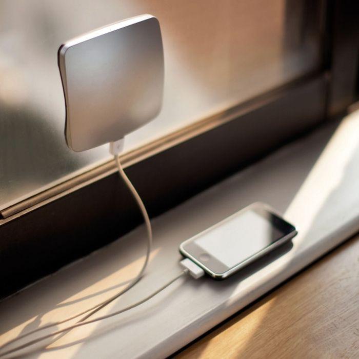Зарядное устройство, работающее на солнечных батареях дизайн, идея, креатив