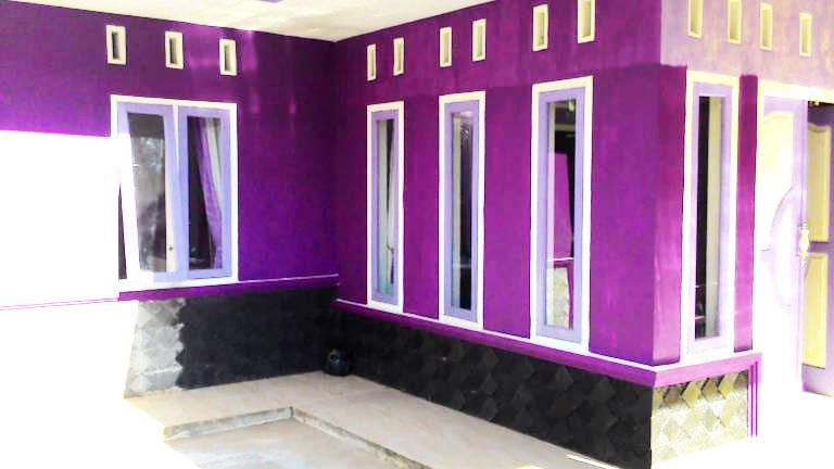 perpaduan warna cat rumah minimalis tampak depan ungu