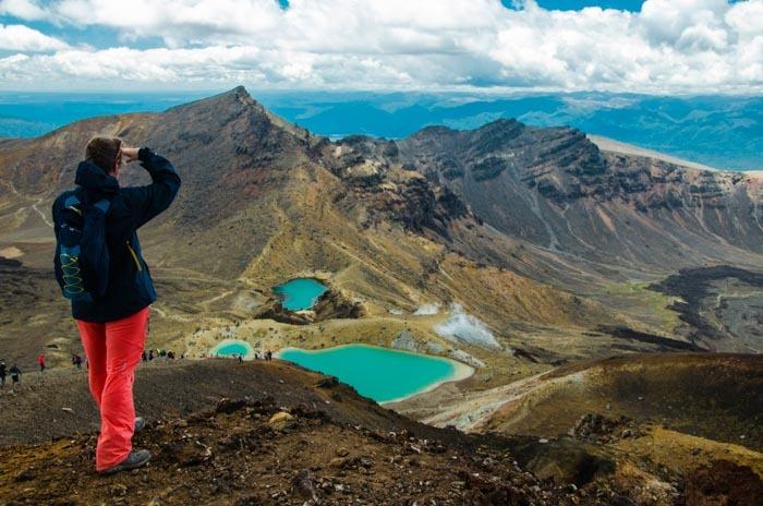 Smaragdová jezírka (Emerald Pools). Z tohoto místa pochází většina fotografií z treku Tongariro Crossing.