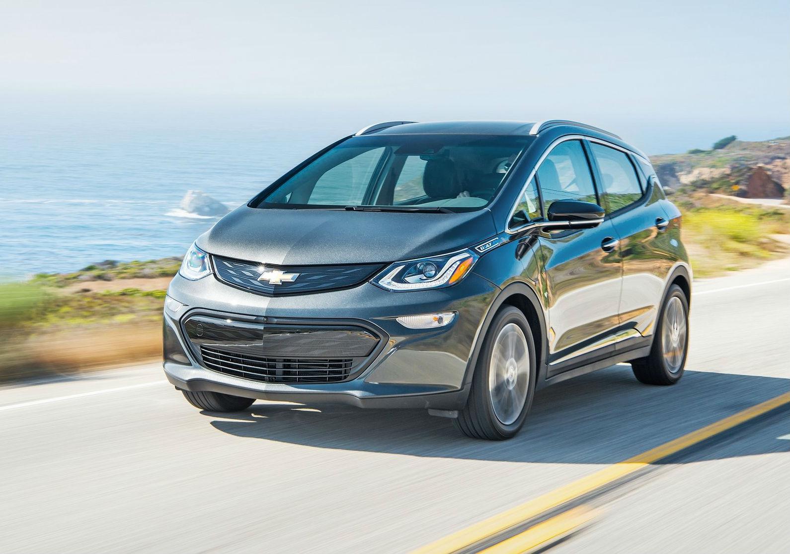 Chevrolet Bolt oferece bom desempenho e acesso à ampla rede de concessionárias da marca (Imagem: Jornal do Carro/Reprodução)