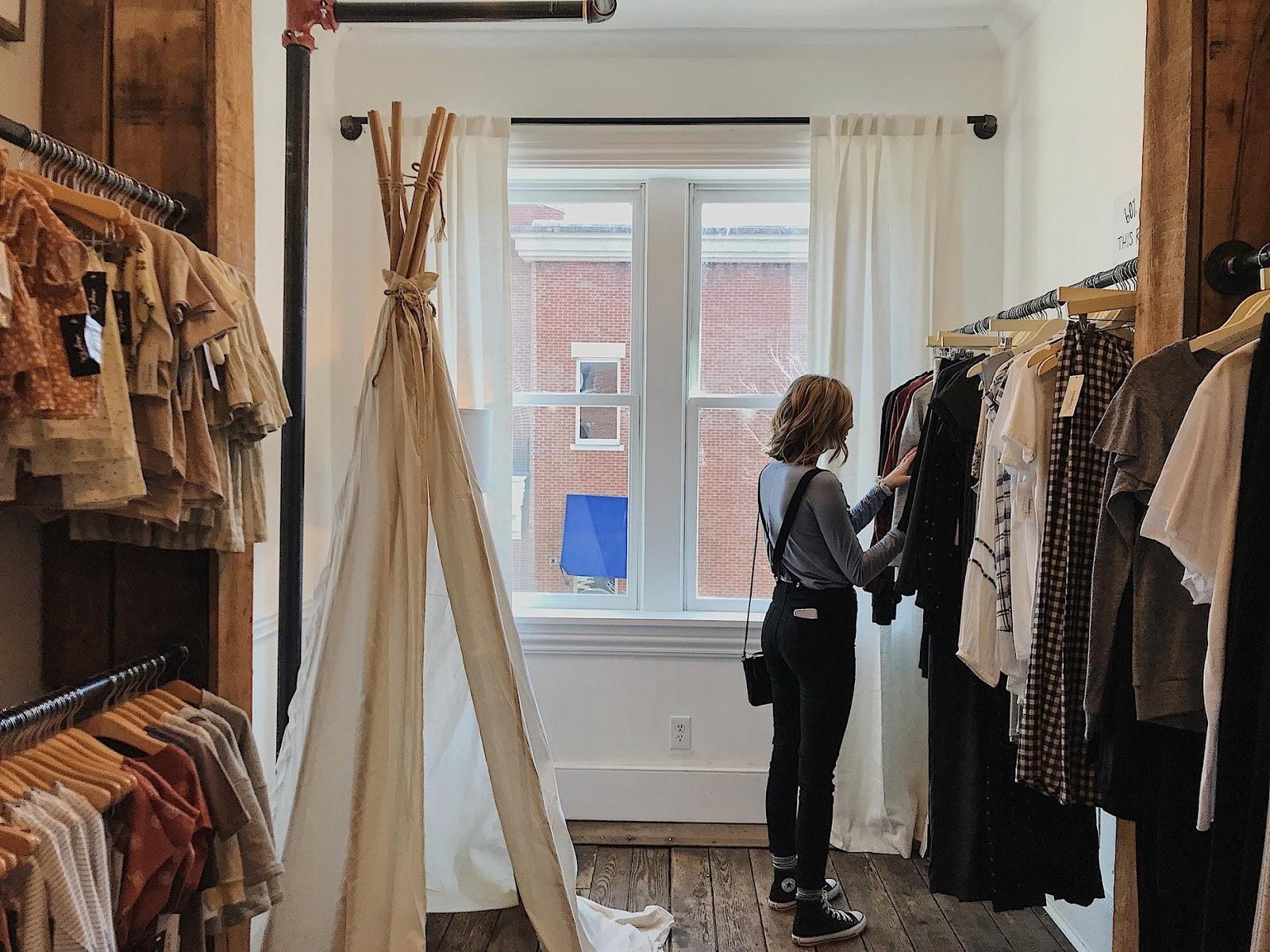 Pop-up shops browsing