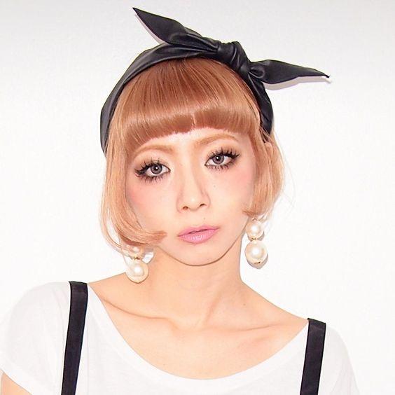 Momoko makeup