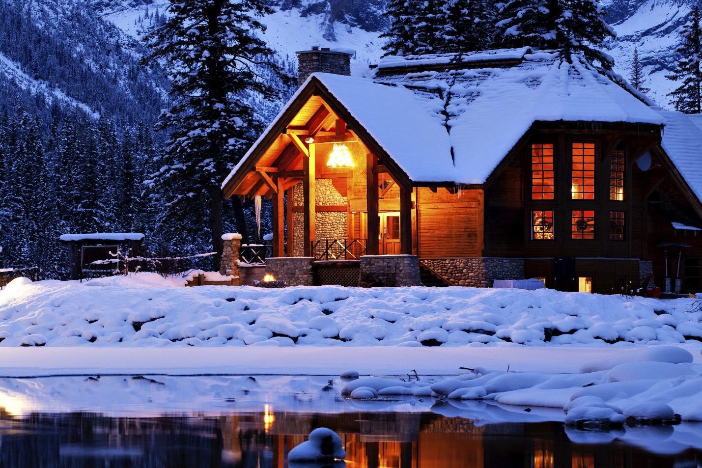 https://get.wallhere.com/photo/night-lake-snow-winter-house-evening-resort-hut-estate-weather-season-home-log-cabin-86766.jpg