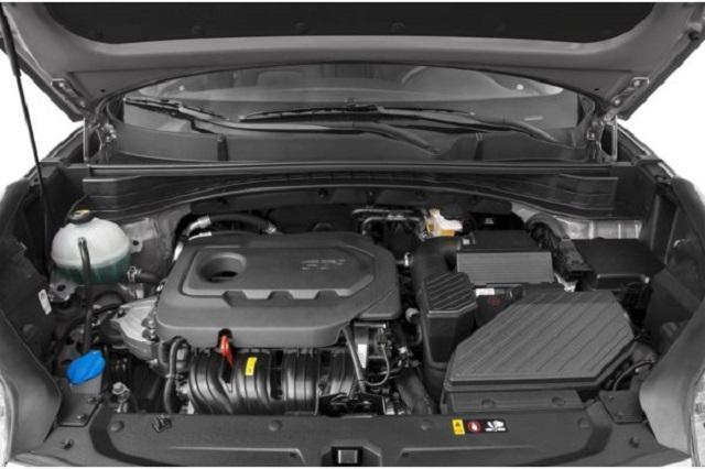 Xe được trang bị động cơ mạnh mẽ với hộp số 6 cấp