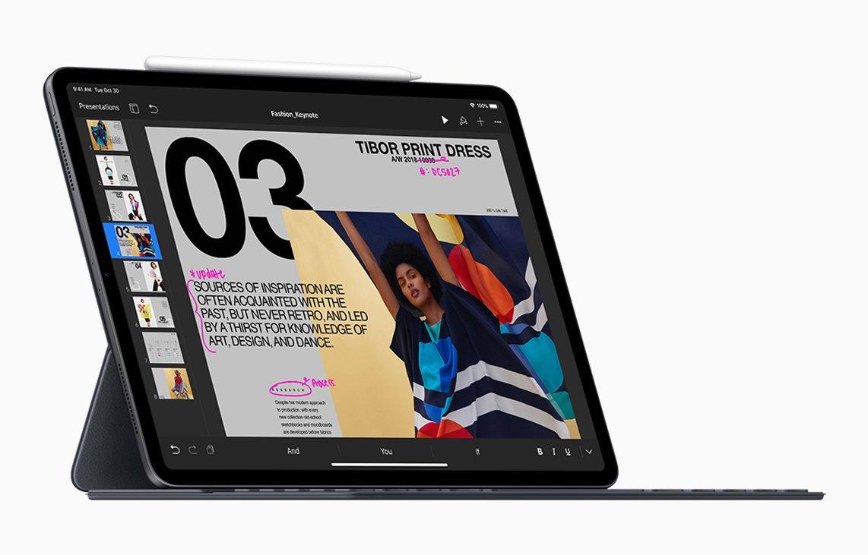 Đang tải ipad-pro_smart-keyboard-apple-pencil_10302018.jpg…