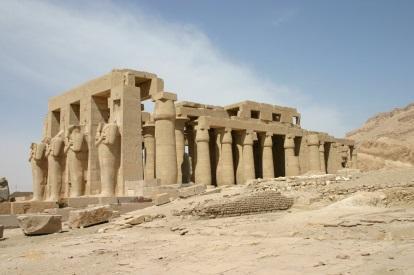 http://upload.wikimedia.org/wikipedia/commons/8/86/S_F-E-CAMERON_EGYPT_2005_RAMASEUM_01320.JPG