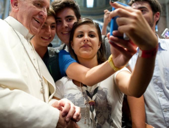 Vatican với Giới trẻ Công giáo: Các bạn nhìn vị trí của mình như thế nào trong Giáo hội?