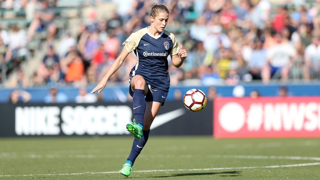 North Carolina Courage defender Abby Dahlkemper (Photo credit: Andy Mead/isiphotos.com)