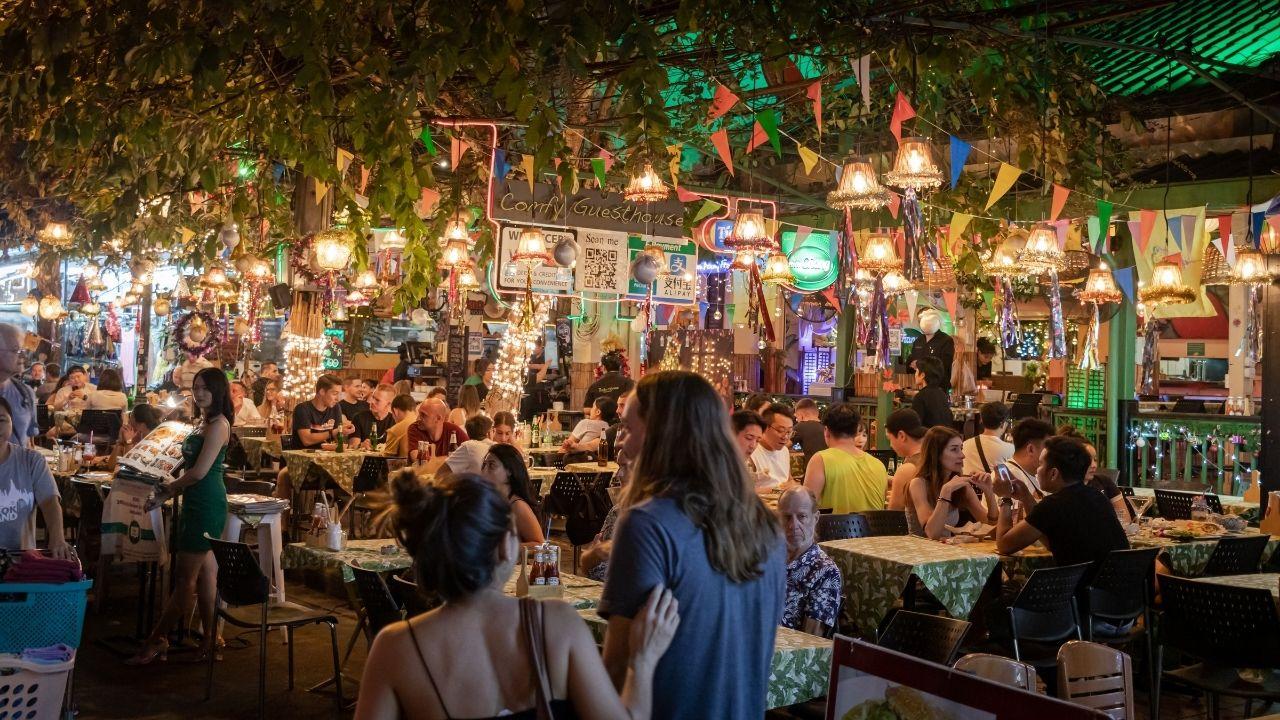 Restaurant de street food à Bangkok en Thaïlande